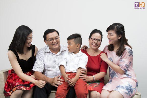 Răng đẹp đón Tết cùng gia đình